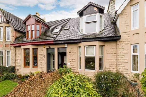 3 Bedrooms Terraced House for sale in 19 Earlbank Avenue, Glasgow, G14 9HE