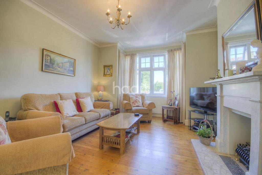 3 Bedrooms Terraced House for sale in Windmill Road, South Ealing, W5 4DL