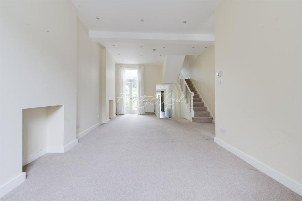 3 Bedrooms Terraced House for sale in Sydner Road, N16