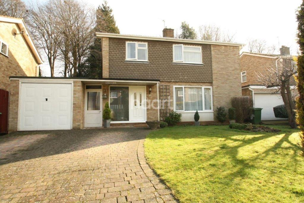 3 Bedrooms Detached House for sale in Chapman Avenue