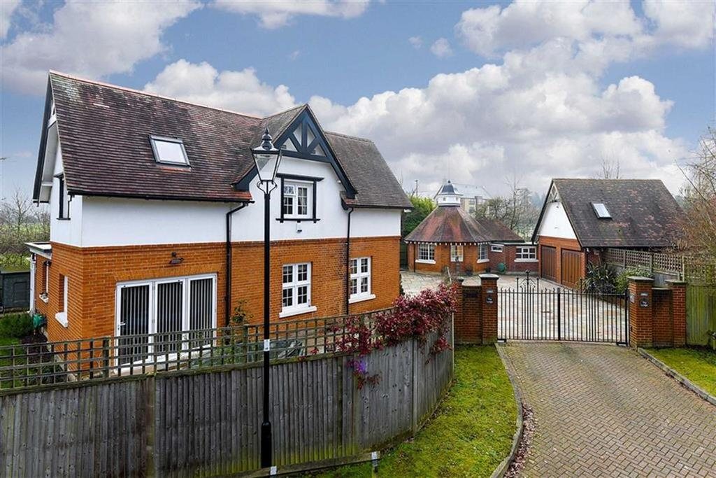 4 Bedrooms Detached House for sale in Grove Close, Epsom, Surrey