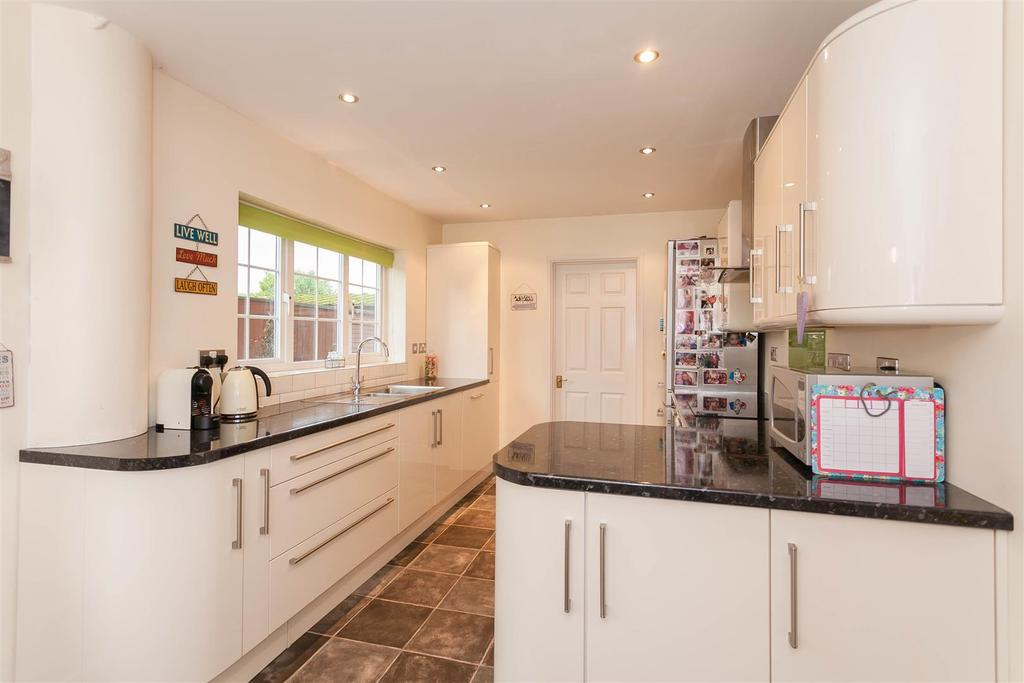 4 Bedrooms Detached House for sale in Westfields, Abingdon