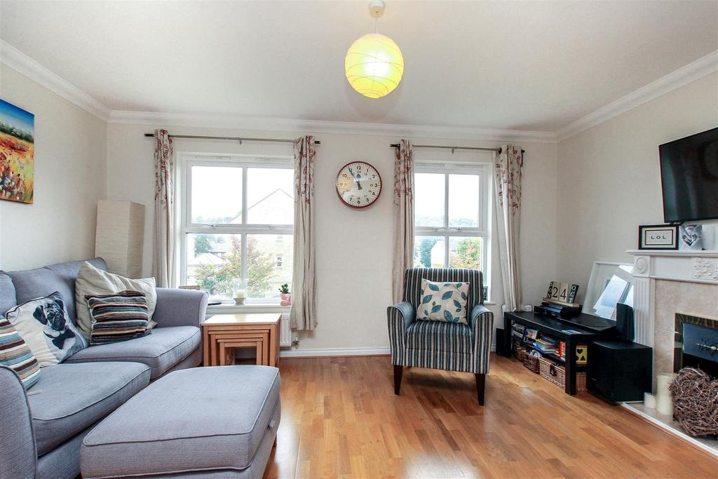 2 Bedrooms Duplex Flat for sale in High Street, Berkhamsted HP4