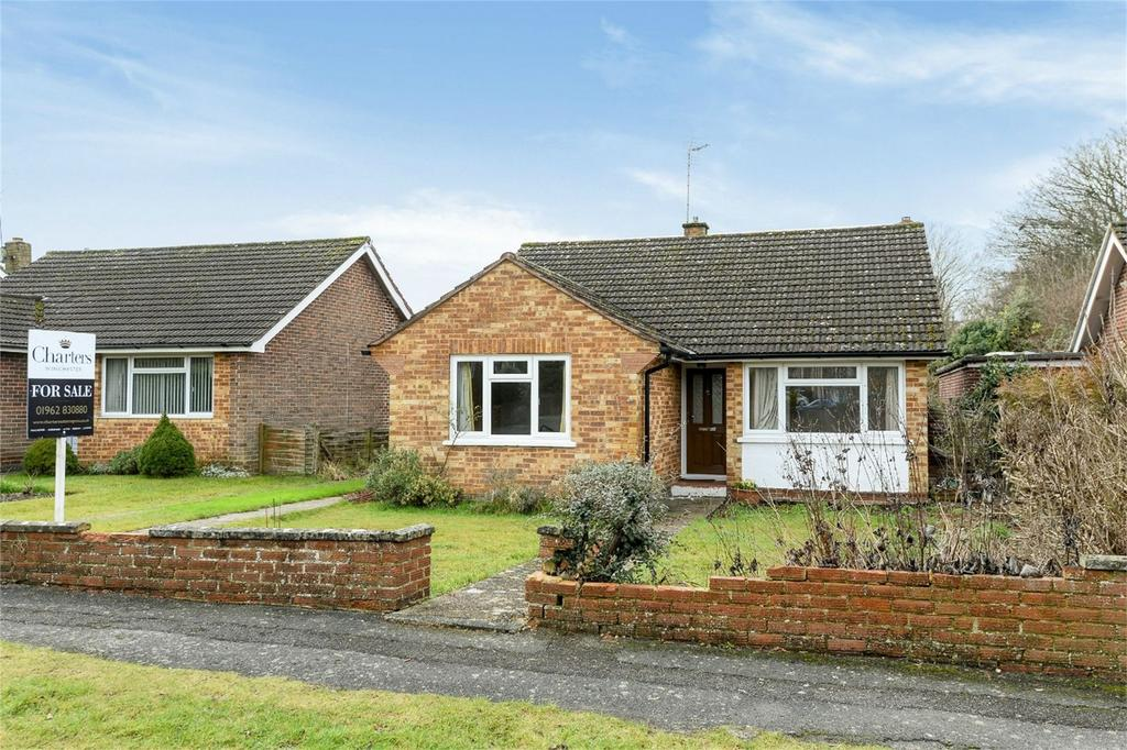 3 Bedrooms Detached Bungalow for sale in Winchester, Hampshire
