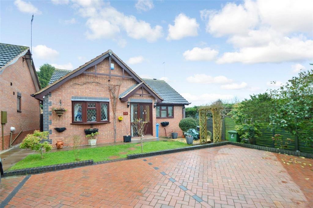 2 Bedrooms Detached Bungalow for sale in Huntsmans Drive, Kinver, Stourbridge, Staffordshire