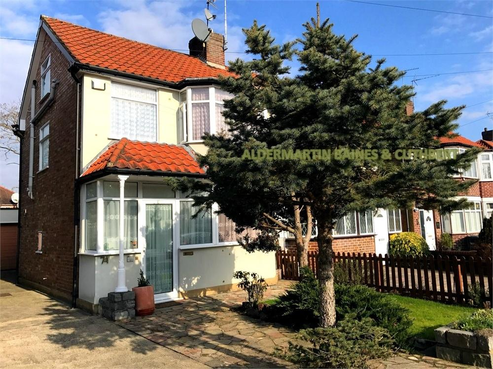 4 Bedrooms Semi Detached House for sale in Oakhampton Road, Mill Hill, London