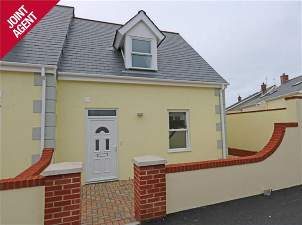 2 Bedrooms Detached House for sale in House 4, Clos Sabllounnaeux, Sandy Hook, L'Islet, St Sampson's
