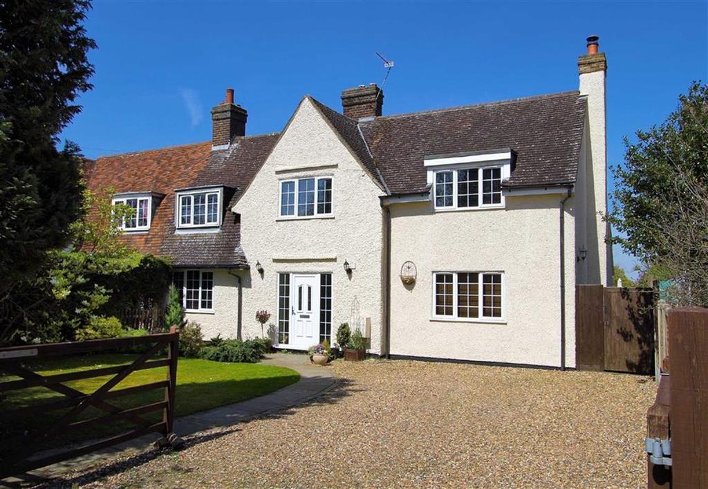 4 Bedrooms Semi Detached House for sale in Park Lane, Old Knebworth SG3 6PR