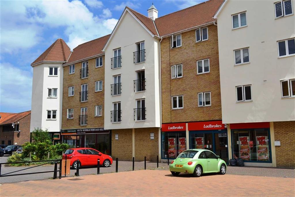 3 Bedrooms Apartment Flat for sale in Trinity Row, South Woodham Ferrers, Essex