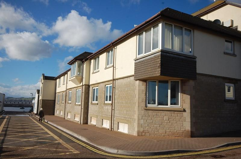 2 Bedrooms Flat for sale in Strand, Teignmouth
