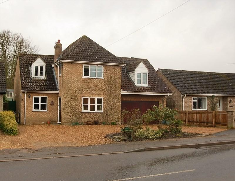 4 Bedrooms Village House for sale in Lutton PE8