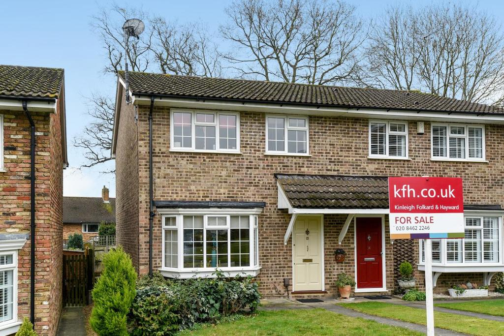 3 Bedrooms Semi Detached House for sale in Sedgewood Close, Hayes, BR2