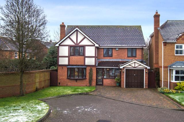 4 Bedrooms Detached House for sale in Squirrel Hollow,Walmley,Sutton Coldfield