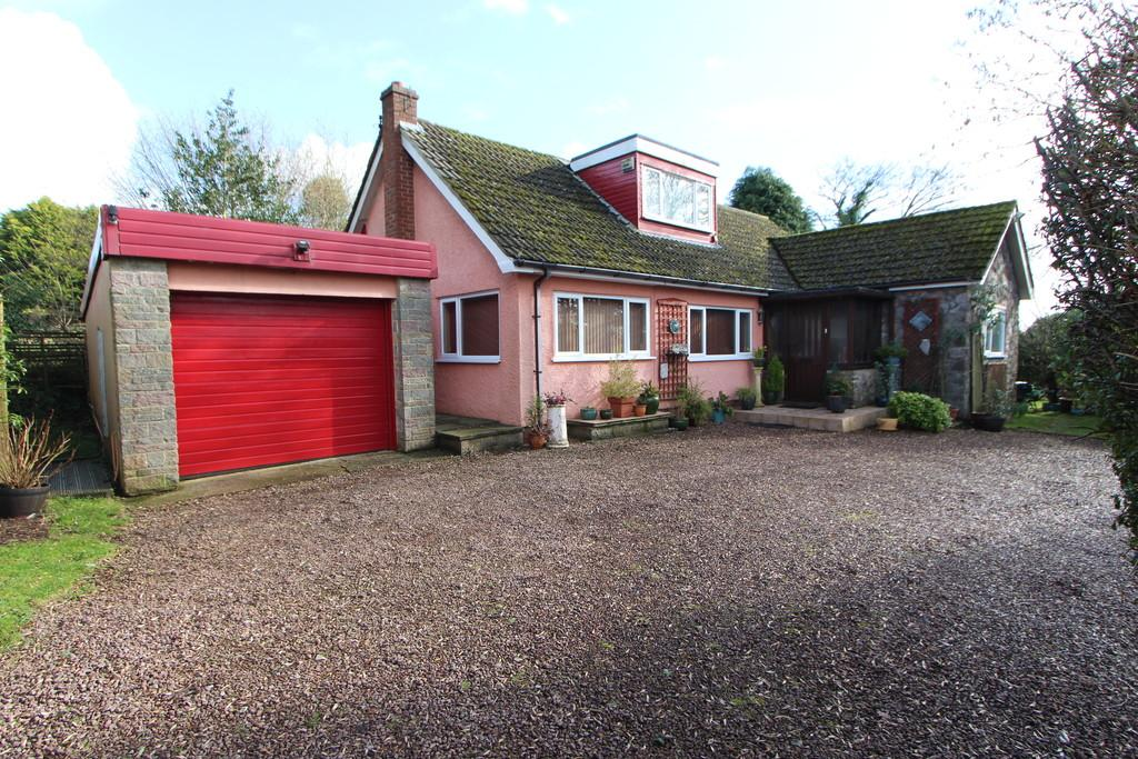 4 Bedrooms Chalet House for sale in Cottage in rural Redhill