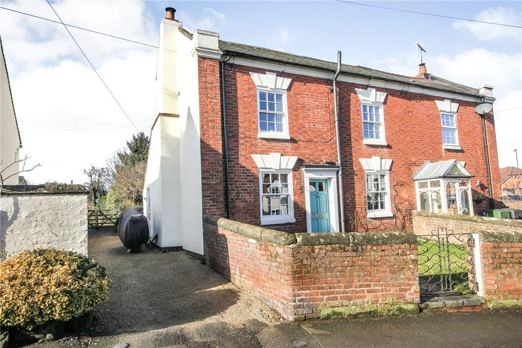 2 Bedrooms Semi Detached House for sale in Church Road, Belbroughton, Stourbridge, DY9