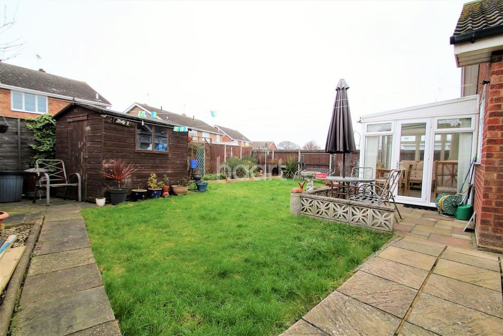 2 Bedrooms Bungalow for sale in Robin Hood