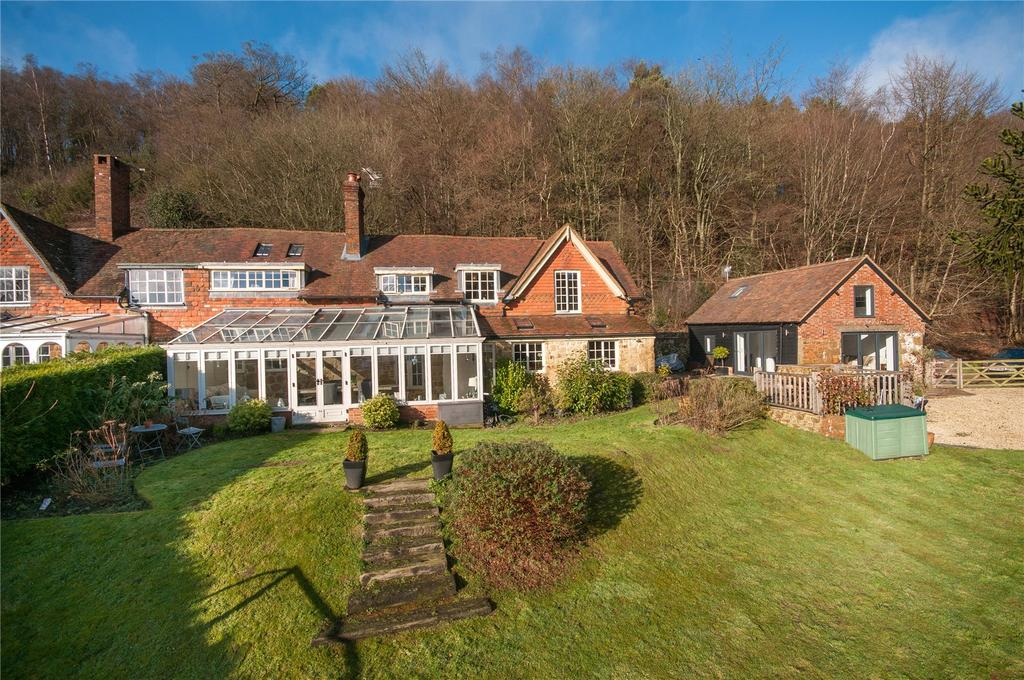 5 Bedrooms Semi Detached House for sale in Abinger Road, Coldharbour, Surrey, RH5