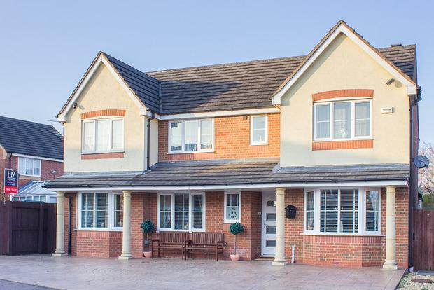 5 Bedrooms Detached House for sale in Pargate Close, Marehay, Ripley, DE5