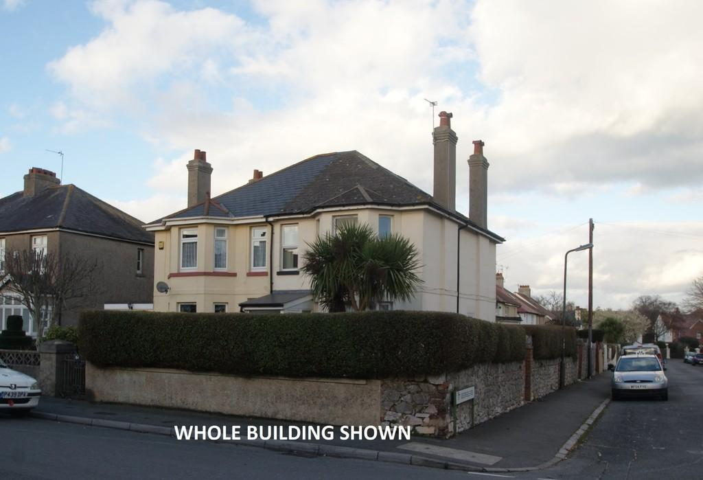 2 Bedrooms Flat for sale in Warbro Road | Torquay