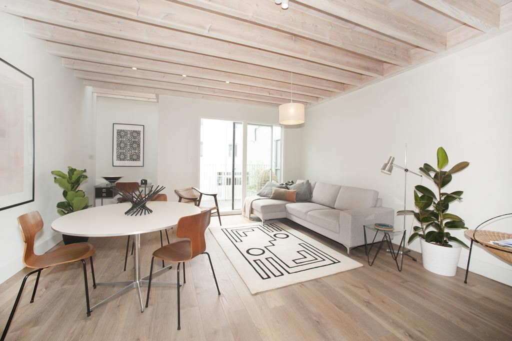 3 Bedrooms Mews House for sale in Linen Mews, W12