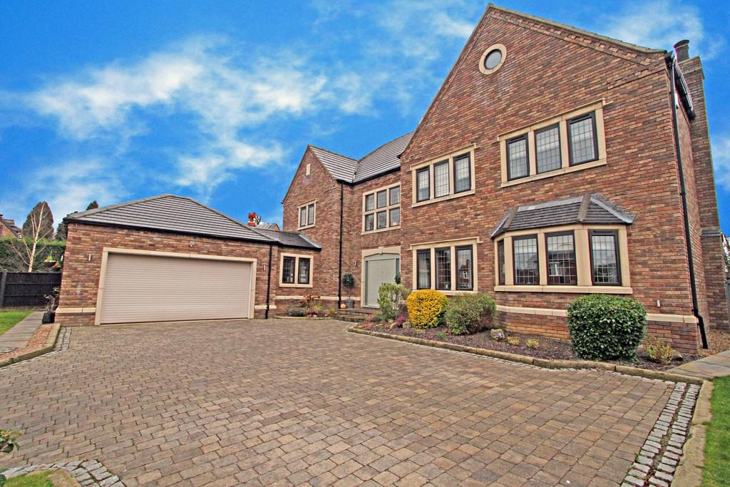 6 Bedrooms Detached House for sale in Park Drive, Sprotbrough, DN5 7LA