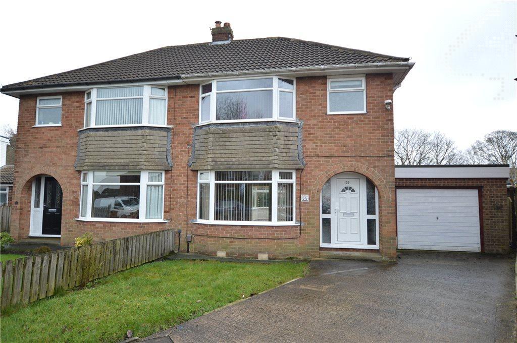 3 Bedrooms Semi Detached House for sale in Dean Park Drive, Drighlington, Bradford