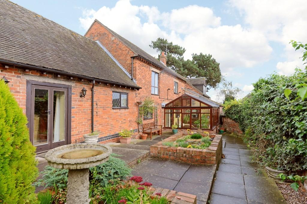 5 Bedrooms Cottage House for sale in Anslow Road, Hanbury