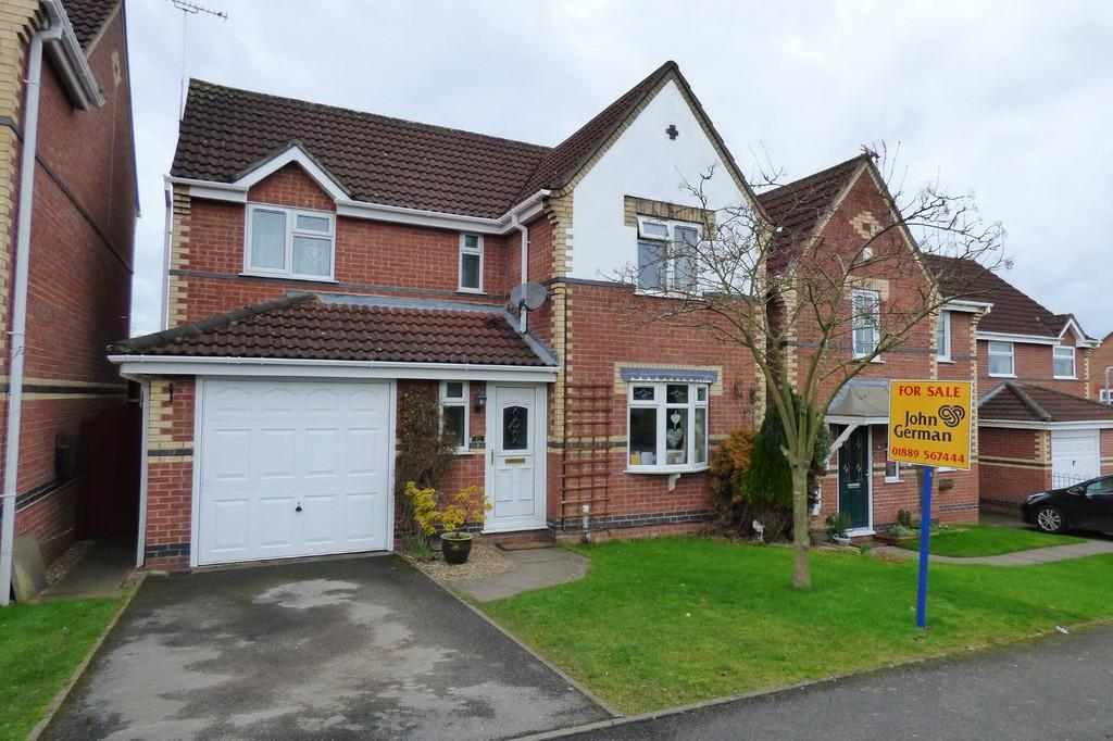 4 Bedrooms Detached House for sale in Partridge Drive, Uttoxeter, Staffordshire, ST14 8TY