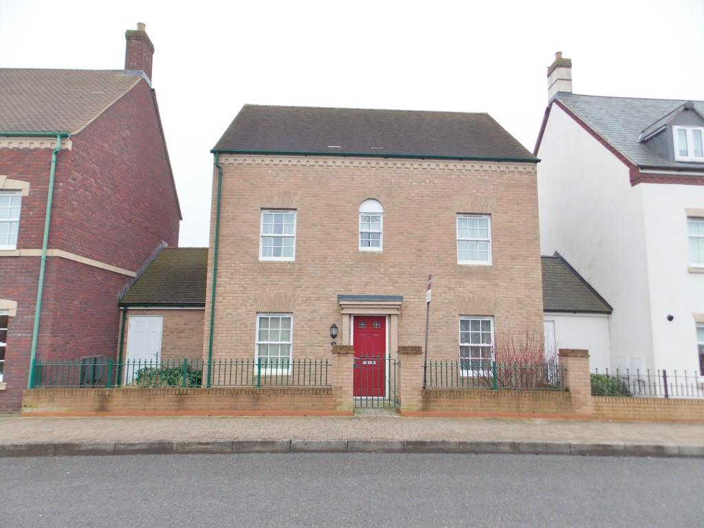 4 Bedrooms Detached House for sale in East Wichel Way, Wichelstowe