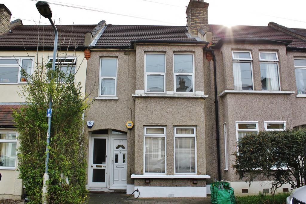 2 Bedrooms Flat for sale in Prospect Road, Woodford Green