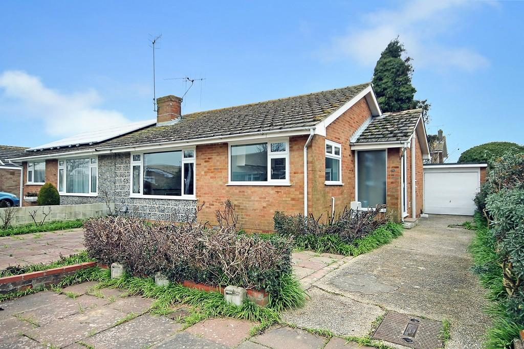 2 Bedrooms Semi Detached Bungalow for sale in Twyford Gardens, Worthing BN13 2NR