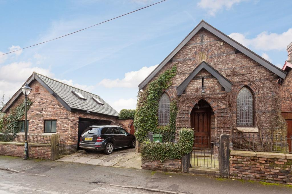 4 Bedrooms Detached House for sale in Barns Lane, Dunham Massey