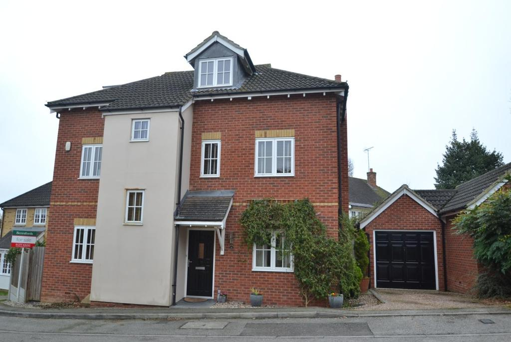 4 Bedrooms Detached House for sale in Prower Close, Billericay, Essex, CM11