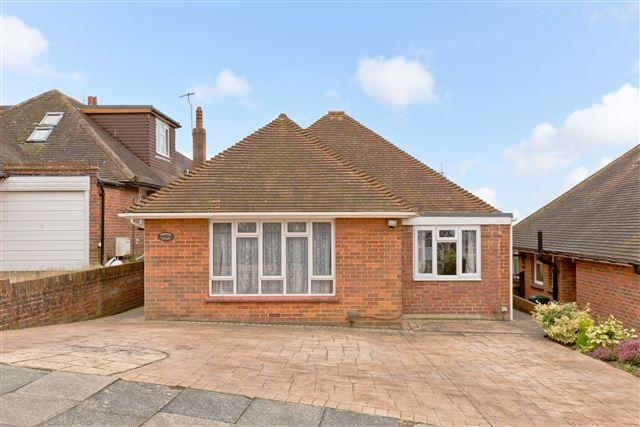 4 Bedrooms Bungalow for sale in Queen Victoria Avenue, Hove