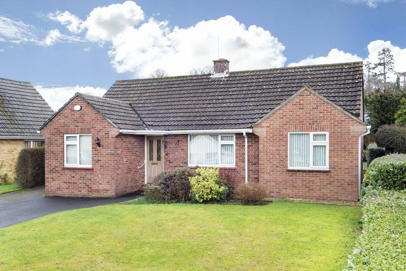 3 Bedrooms Detached Bungalow for sale in Victoria Gardens, Trowbridge