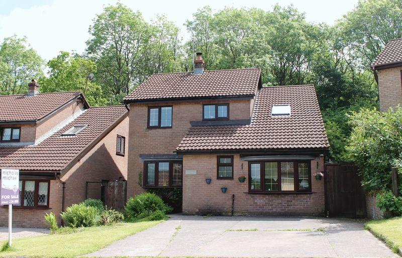 4 Bedrooms Detached House for sale in The Hollies, Pontyclun, CF729BA