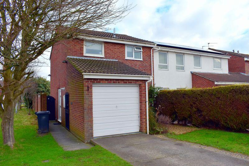 3 Bedrooms Terraced House for sale in Butterfield Park, Clevedon