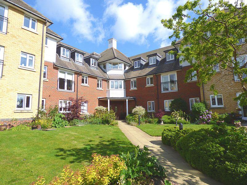 1 Bedroom Retirement Property for sale in Hoxton Close, Ashford