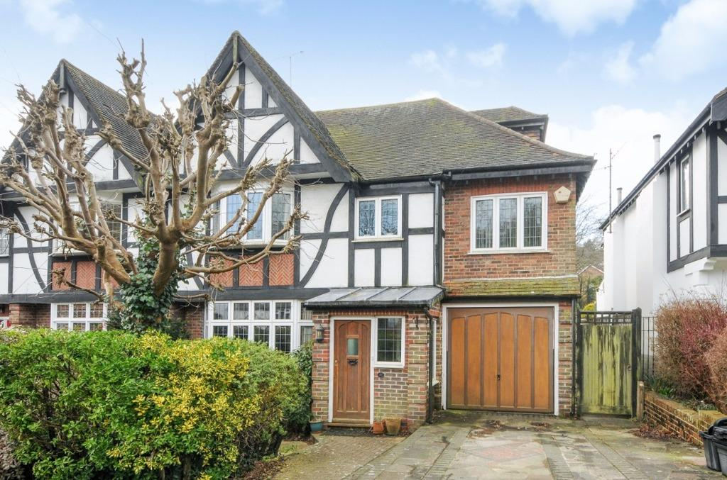 6 Bedrooms Semi Detached House for sale in Valley Drive Brighton East Sussex BN1