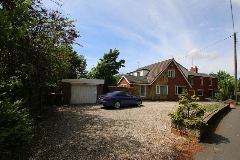 4 Bedrooms Detached House for sale in Four Winds, Saunders Lane, Hutton
