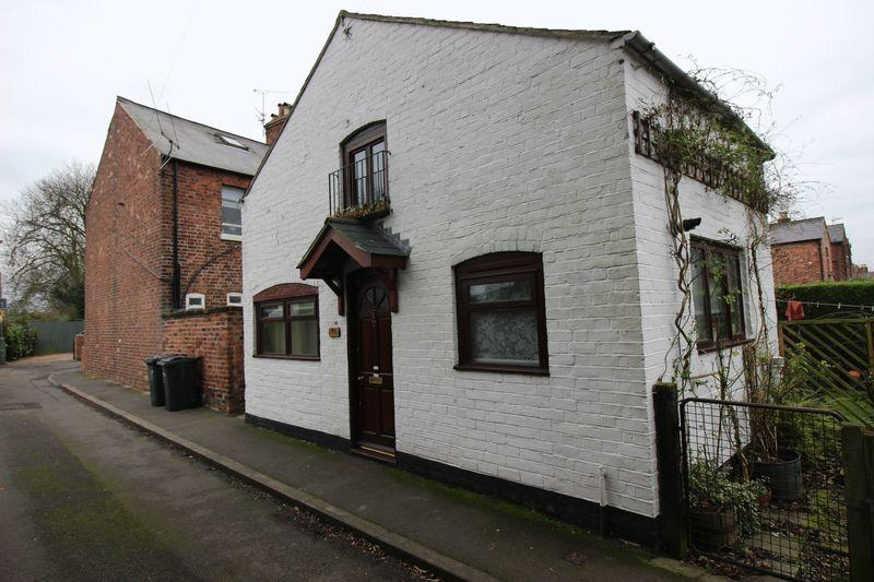 1 Bedroom Detached House for sale in Hawthorn Road, Shrewsbury