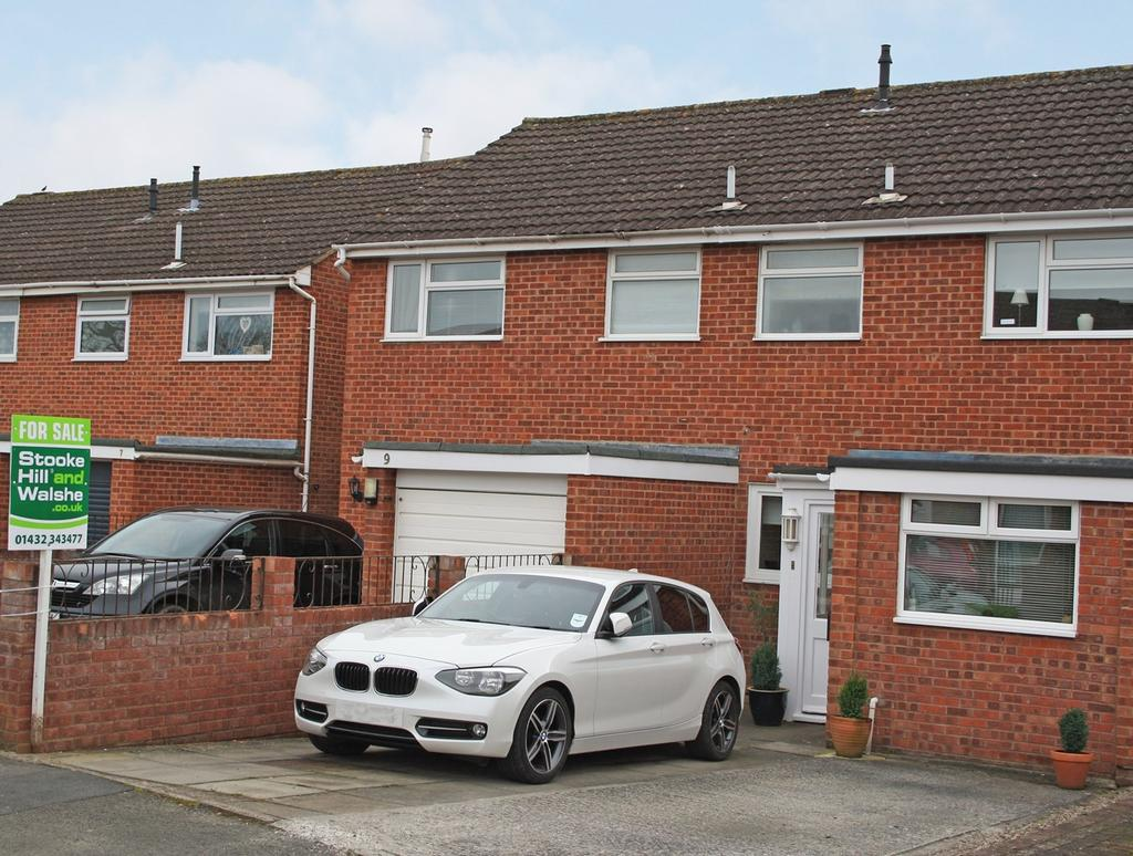 3 Bedrooms Terraced House for sale in Haston Close, Hereford, HR4