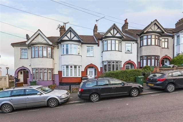 3 Bedrooms House for sale in Hurst Road, Walthamstow