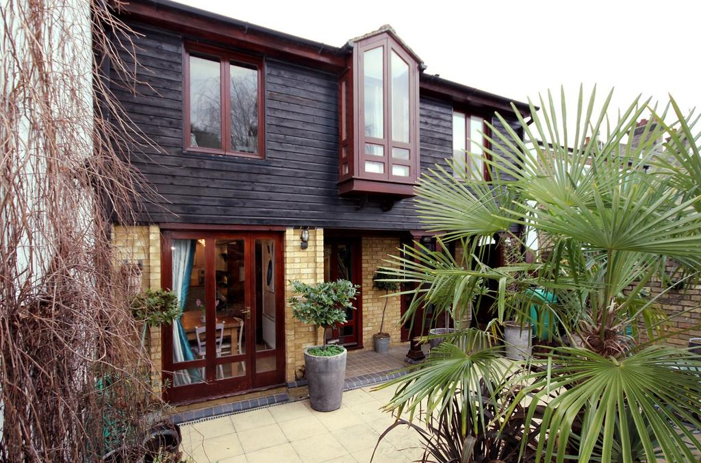 4 Bedrooms Link Detached House for sale in High Street, ARLESEY, SG15
