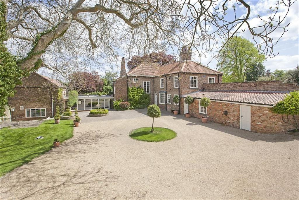 7 Bedrooms Detached House for sale in Goldsborough, Knaresborough, North Yorkshire