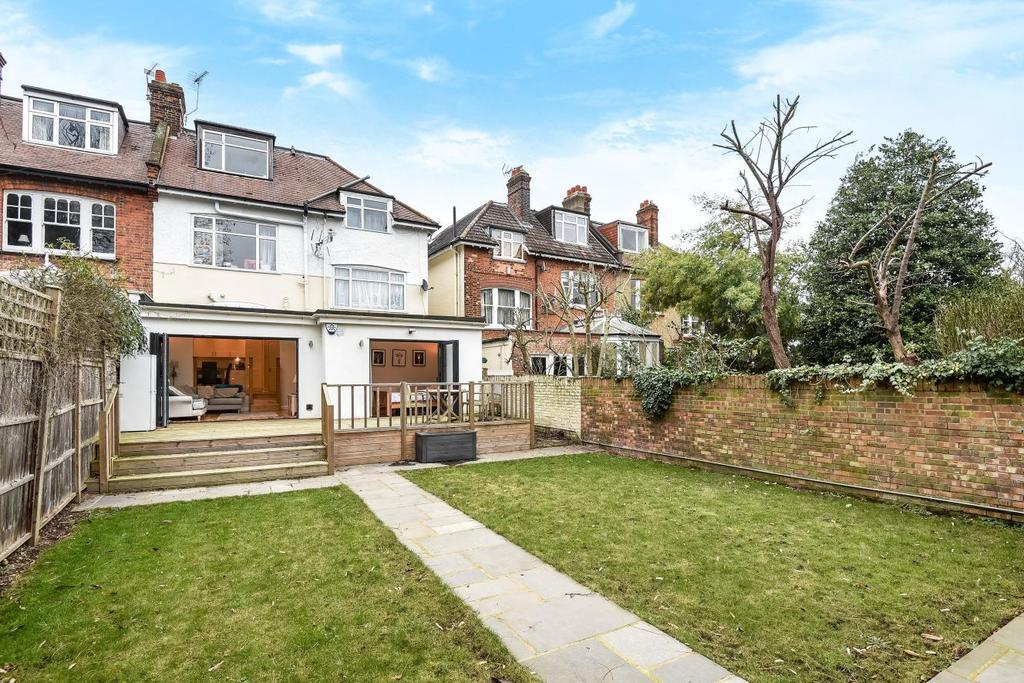 2 Bedrooms Maisonette Flat for sale in Elm Park Road, Winchmore Hill, N21