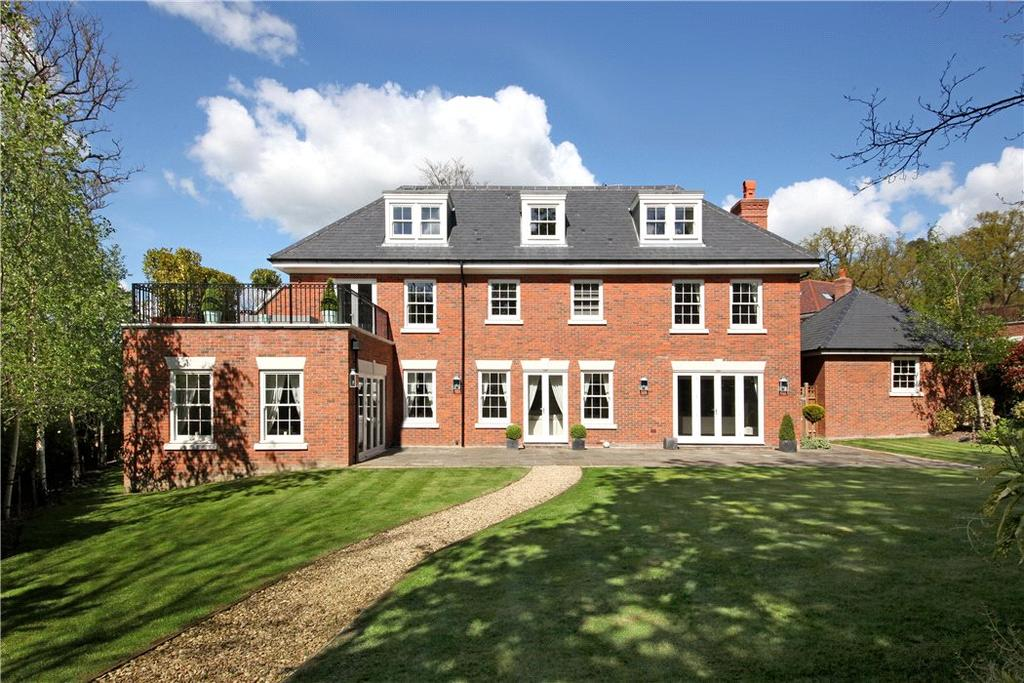 5 Bedrooms Detached House for sale in Oak Wood Place, Gerrards Cross, SL9