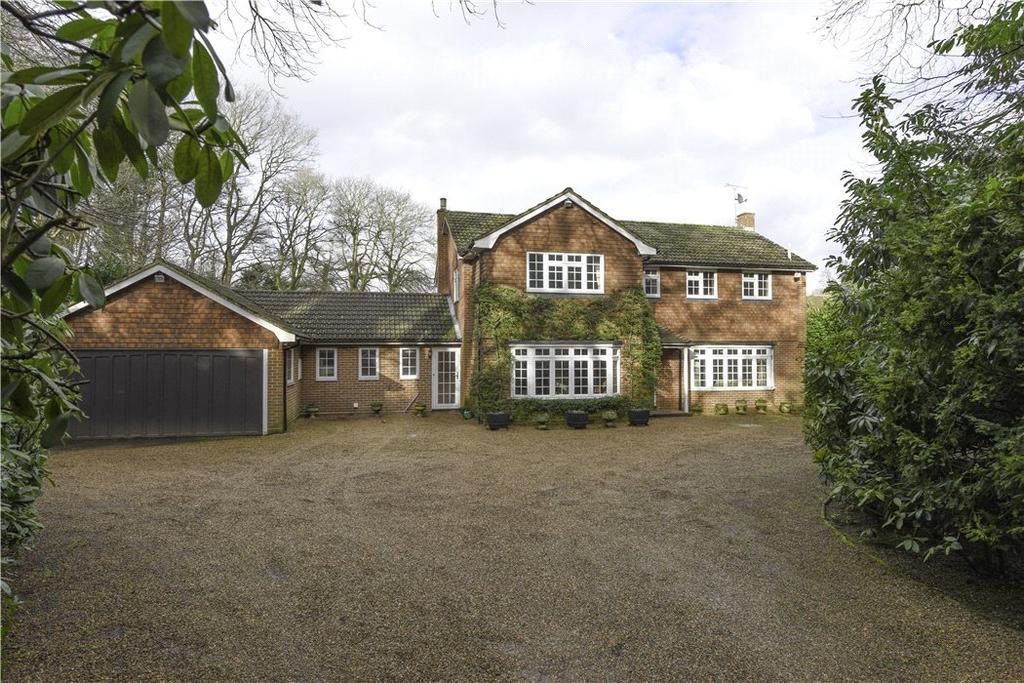 5 Bedrooms Detached House for sale in Burwood Road, Hersham, Walton-on-Thames, Surrey, KT12