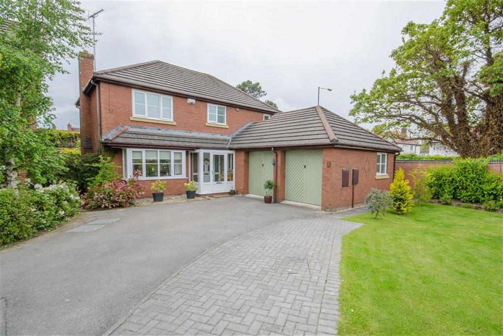 4 Bedrooms Detached House for sale in Rhodfa Mynydd, Mold, Mold