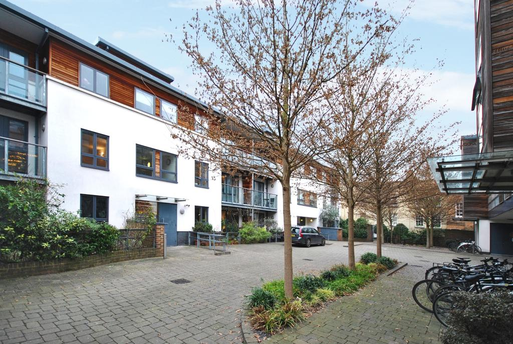2 Bedrooms Flat for sale in Stannary Place Kennington SE11